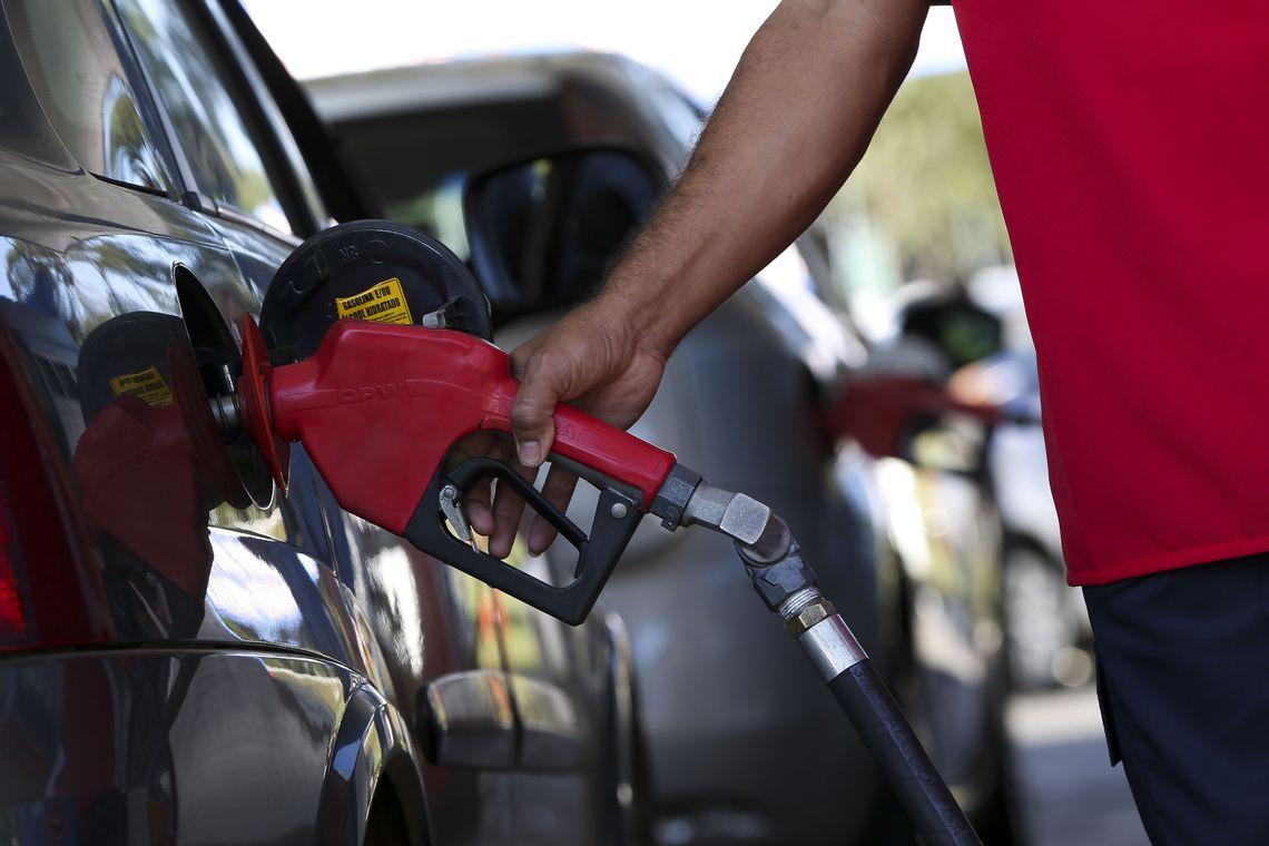 Brasil Economia Petrobras anuncia quedas de 4% para preço da gasolina e de 5% para o diesel