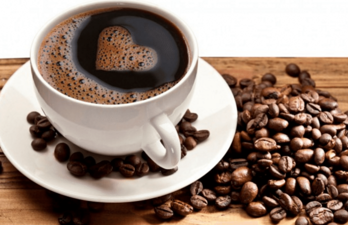 Homem se nega a fazer café e leva surra da esposa; caso parou na delegacia