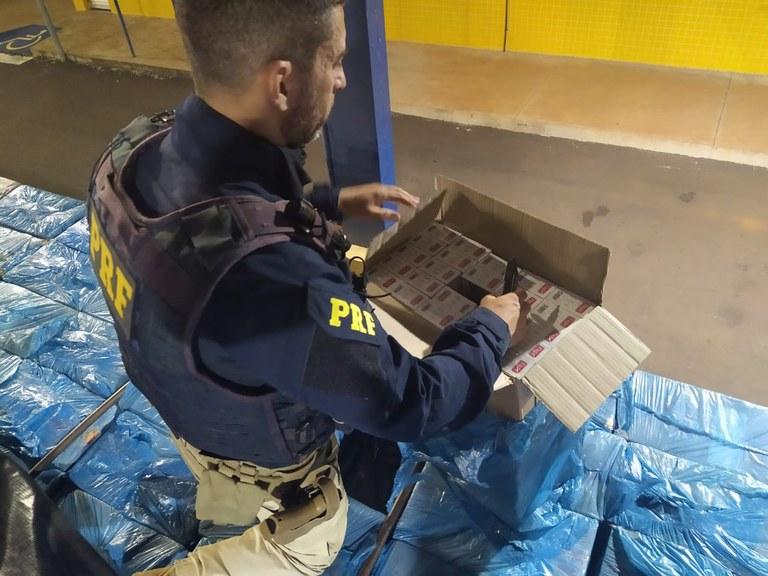 PRF encerra Operação Corpus Christi com apreensão de meia tonelada de drogas e 10 veículos recuperados