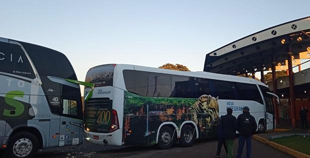 Ônibus colidem na rodoviária de Ubiratã
