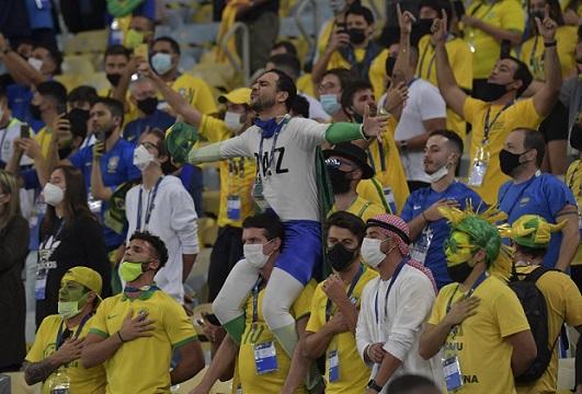 CBF é multada em R$ 54 mil por aglomerações na final da Copa América